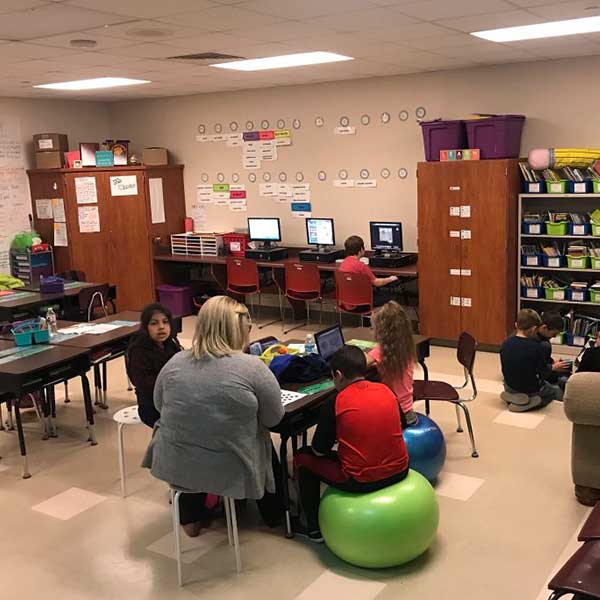 exercise-balls-in-the-classroom-for-flexible-seating