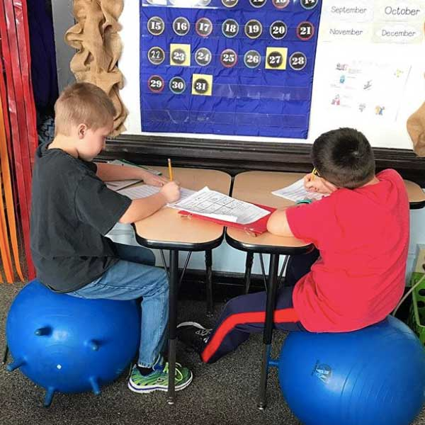 exercise-balls-in-the-classroom